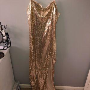 Maxi sequin gold dress